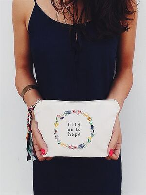 The Tote Project Handtasche / Clutch -  hold on to hope