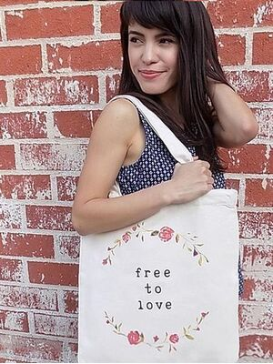 The Tote Project Handtasche mit Magnetverschluss -  free to love